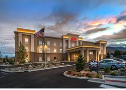 Hampton Inn & Suites Reno West
