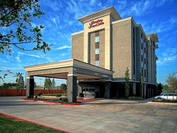 Hampton Inn and Suites Moore