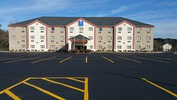 HiWay Inn Express Hotel & Suites of Broken Bow