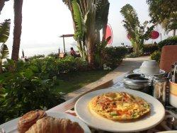 ナイル川を眺めながらの朝食は最高!