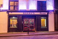Heery's Bar & Restaurant