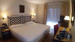 瓦爾德拉巴內斯皇宮酒店
