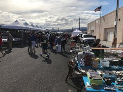 ‪Lake Havasu Sunday Swap Meet & Vehicle Mart‬