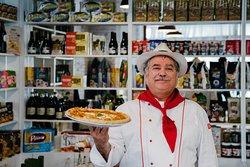 Нашите пици са по специалните рецепти на Г-н Маурицио Феррери