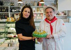 Сицилианският десерт Касата е наричан и сладкия принц на Сицилия.