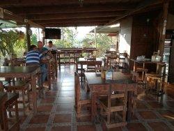 Don Roberto - Hotel y Cafeteria