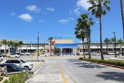 San Juan Shopping Center