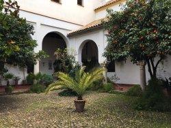 Convento De Las Hermanas De La Cruz