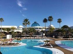Room Brasserie and pool area at Elba Resort