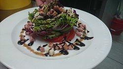 Gusto Bistro - Restaurant - Cafe