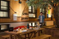 RockyPop Restaurant