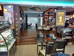 Leblon Cafe y Pasteleria Artesanal