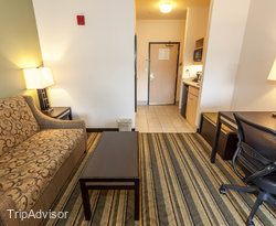 The Two Queen Mini Suite at the Holiday Inn Express Berkeley