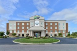 Holiday Inn Express & Suites Terre Haute