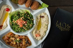 L a Vie Lebanese Restaurant