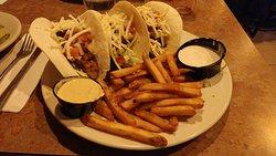 Grilled chicken taco trio