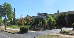 Bristol Hill Motor Inn