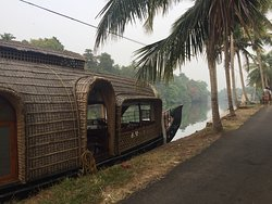 Backwater Retreat Houseboat - Alleppey