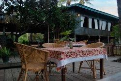 Pomelo Restaurant & Guesthouse