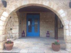 Blue Door, Alsancak