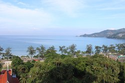 Andaman Beach Suites Hotel, Phuket: Sea View or City View, choice is yours!