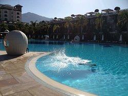 Cratos Premium Hotel, Casino, Port & Spa