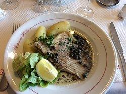 Cuisine de brasserie face aux Halles du Havre