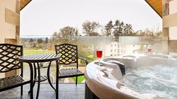 Applegarth Villa Hotel and Restaurant