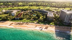 卡纳帕里海滩酒店