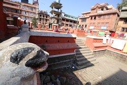 Khumbeshwar Temple
