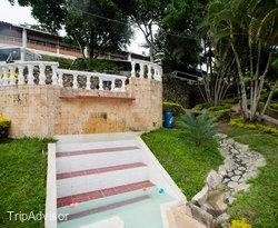 The Pool at the Hosteria Guaracu