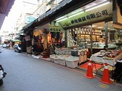 Dongmen Wai Market