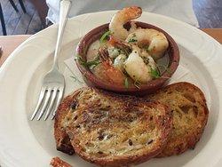 Garlic Prawns (to die for).