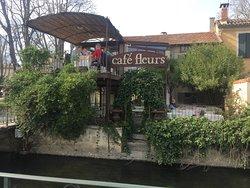 Cafe Fleurs