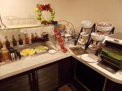 NICE BREAKFAST & DINNER OPTION HILTON TIMES SQUARE 42ND ST