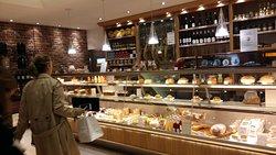 Delicatessen counter, Bread & Roses Rue Boissy D'anglas