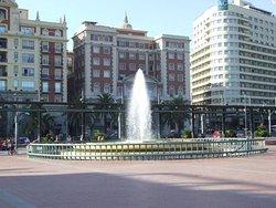 Plaza y Acera de La Marina