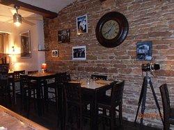 table haute de restauration côté bar