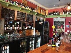 Vino's in the Grove