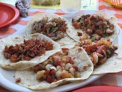 Tacos Y Mariscos El Sinaloense