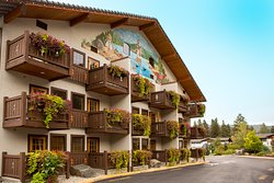 Icicle Village Resort