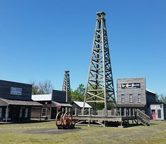 Spindletop - Gladys City Boomtown Museum