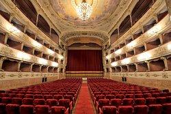 佩哥拉剧院