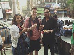 Tea & Snack time... Tour de Kolkata