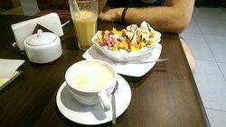 Very good Coffee, Milkshakes and Food!