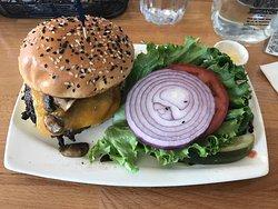Mona's Burger and Shakes