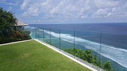 Brilliant place to eat, swim, rejuvenate