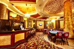 Captains Club & Casino