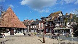 Centre Historique de Beuvron-En-Auge
