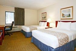 小岩城北麥凱恩商城拉金塔旅館及套房飯店